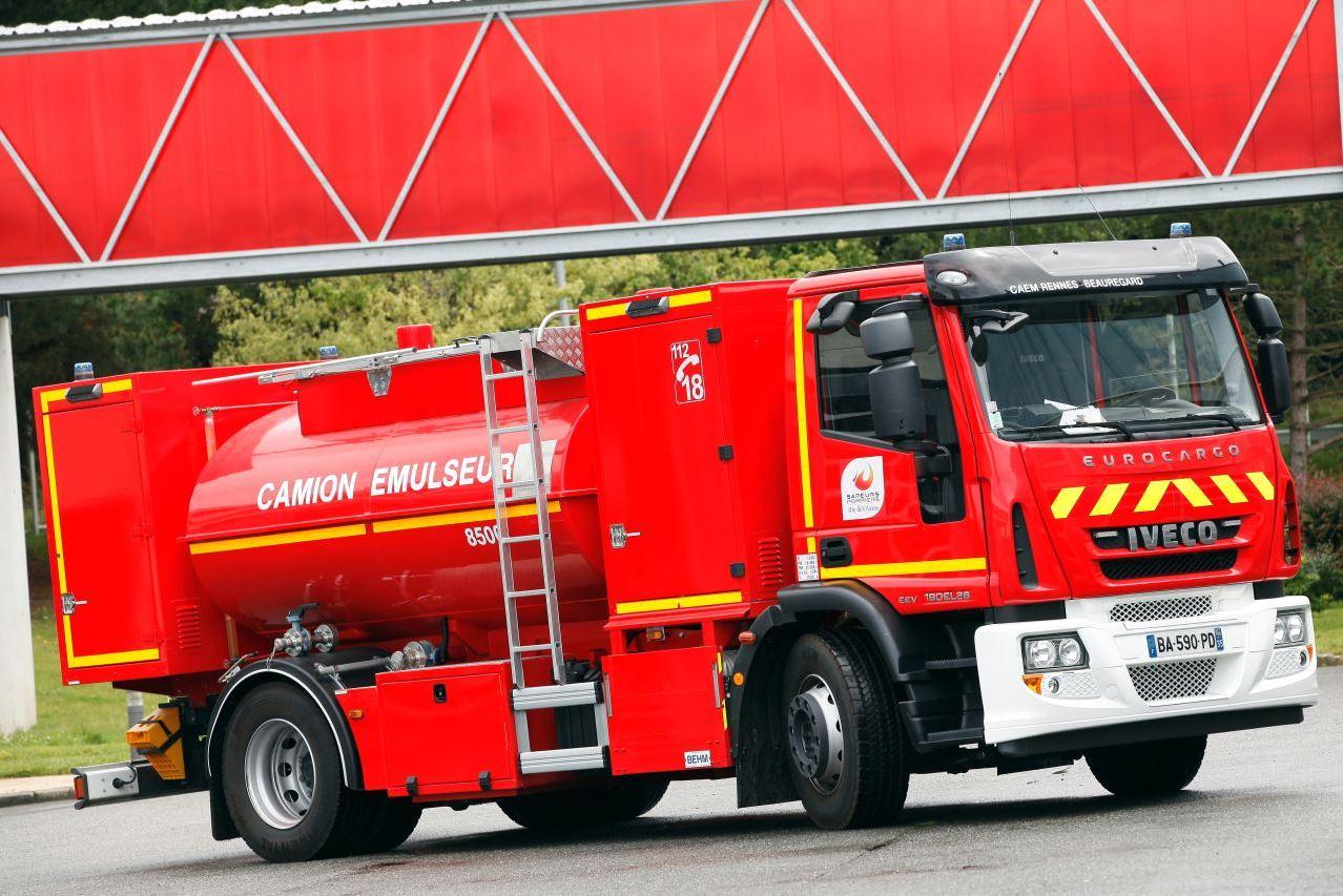 Camion Emulseur - CAEM (pour la lutte contre les feux d'hydrocarbures)