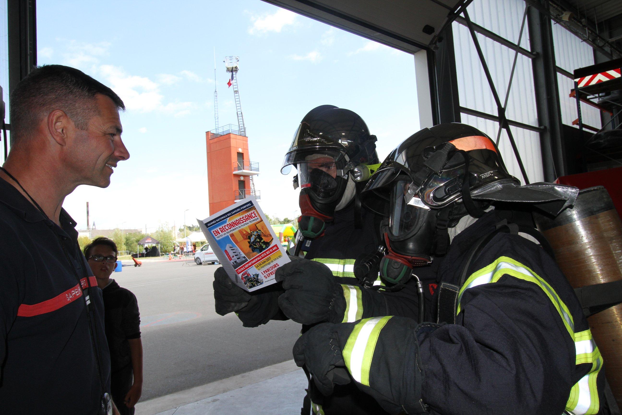 Les Sapeurs Pompiers Célèbrent La Journée Nationale Des