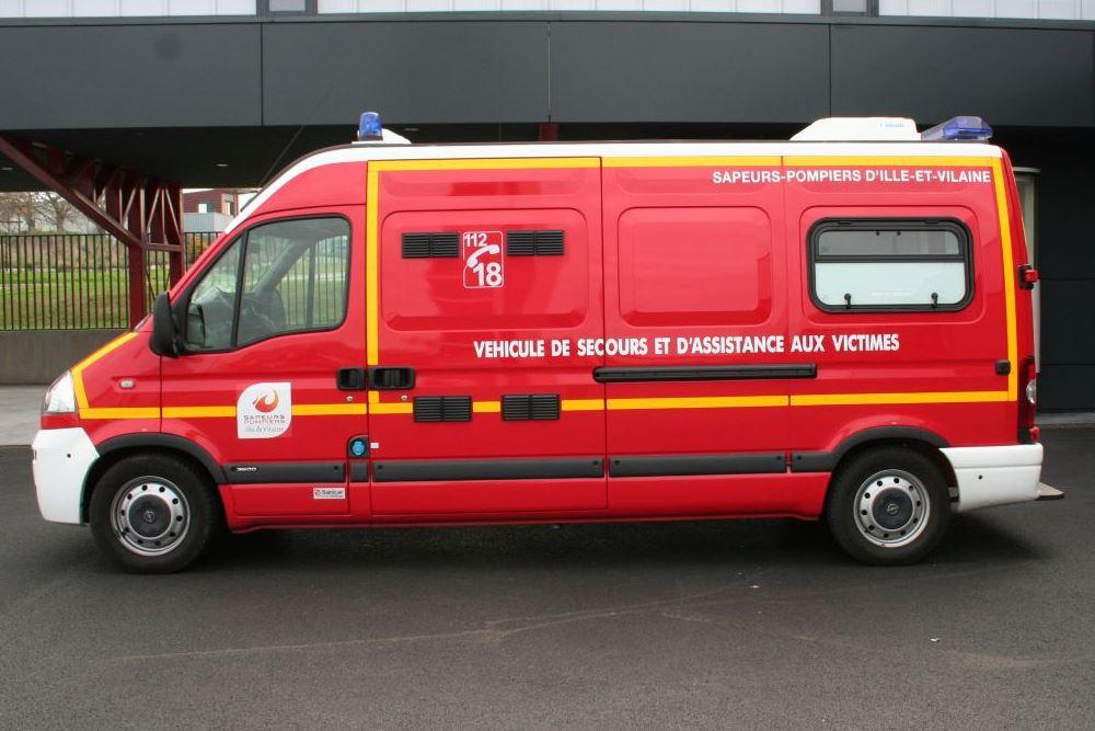 Véhicule de Secours et d'Assistance aux Victimes - VSAV (ou «ambulance»)